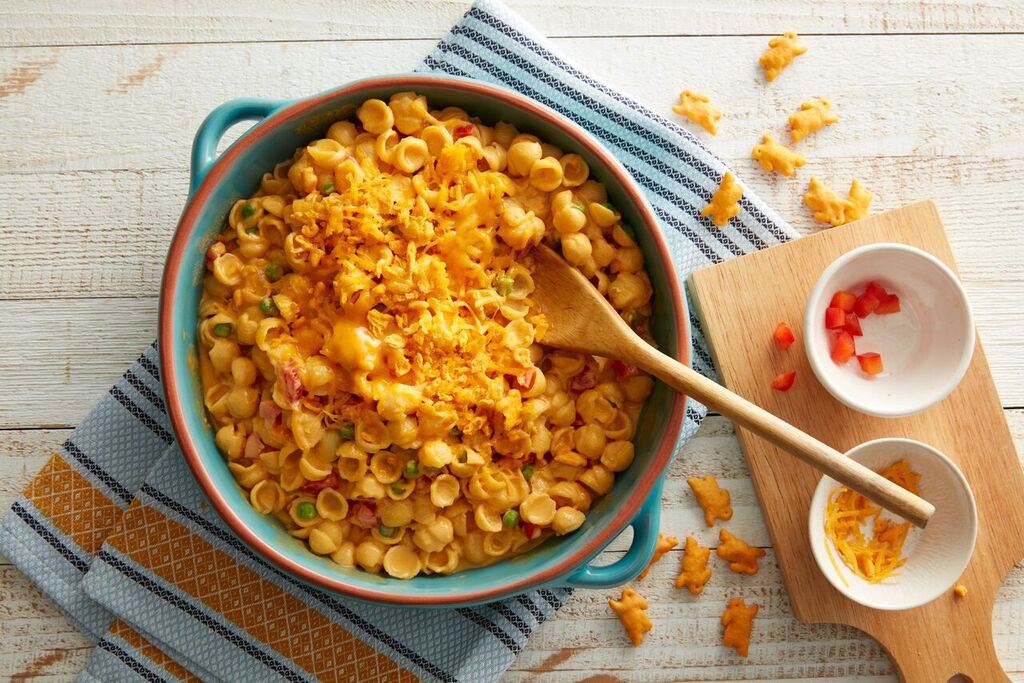 Mac & Cheese with Peppers and Peas